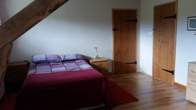 Comfortable Farmhouse Apartment, holiday rental in Viersat