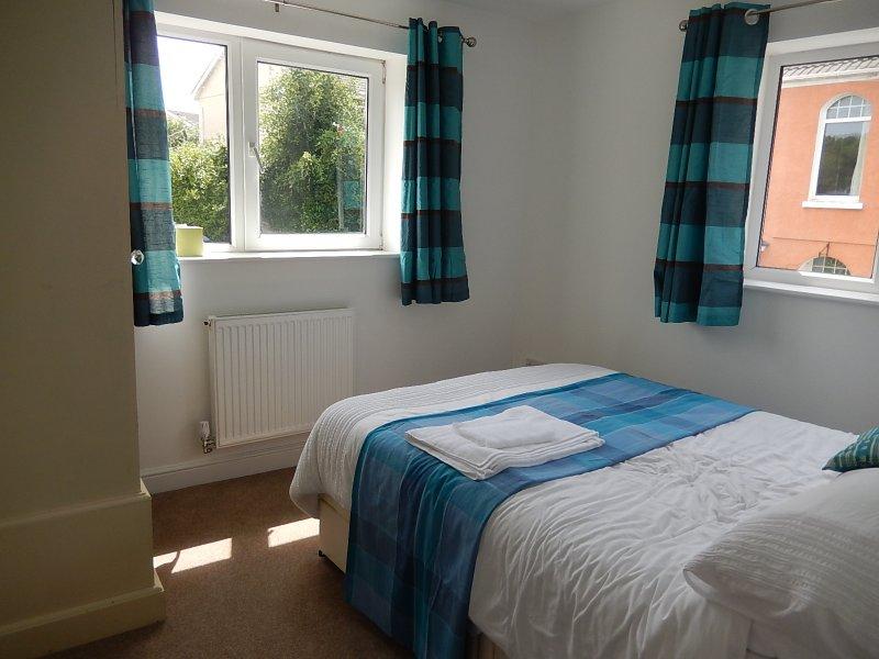 La habitación Teal - doble aspecto y tranquilo