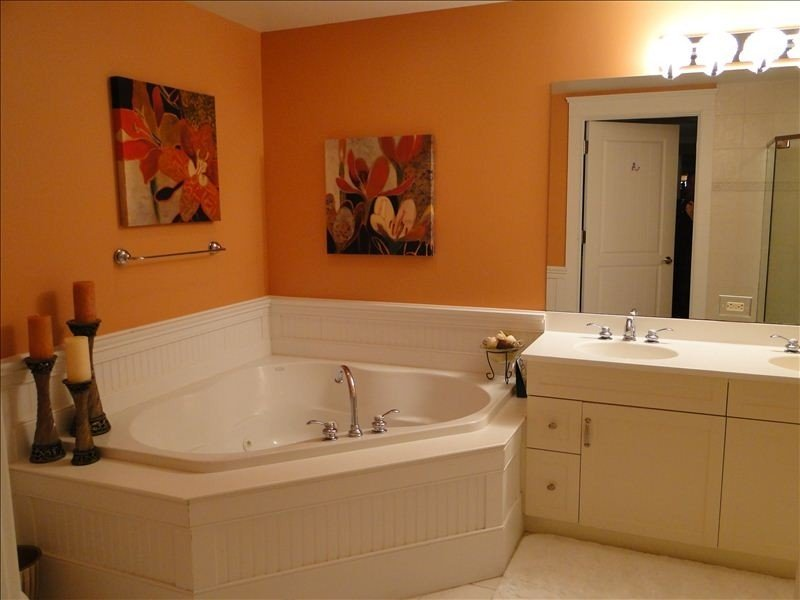 Relax in full sized  whirlpool tub after an exhausting day at the beach
