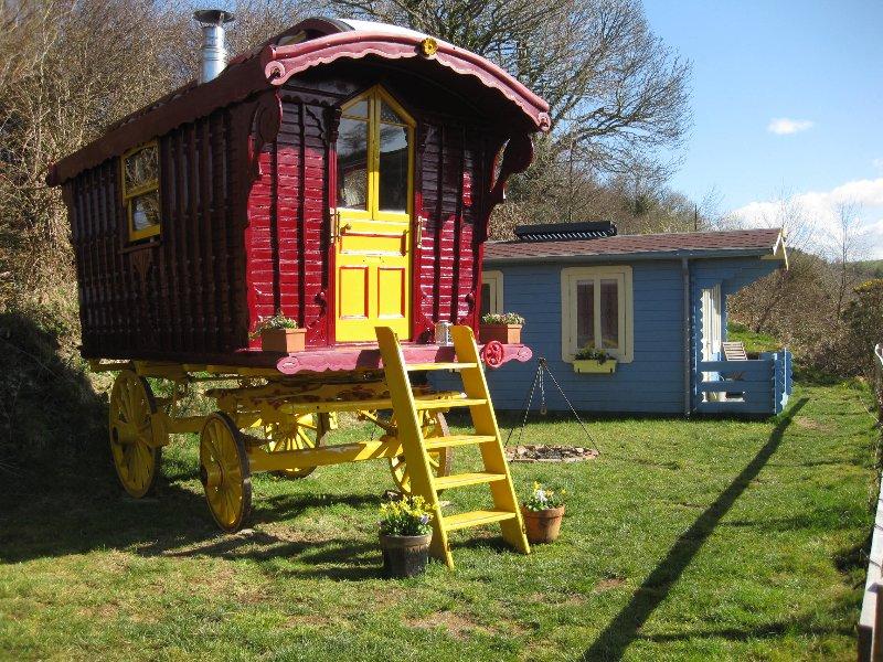 Gypsy Cwtch Romany Wagon, holiday rental in Llangeler