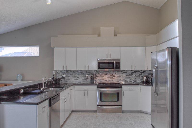 Innenaufnahme, Küche, Zimmer, Backofen, Mikrowelle