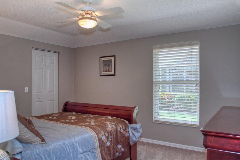 Bett, Möbel, Vorhang, Fenster