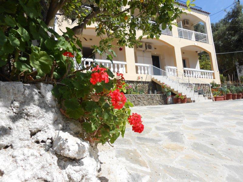 GREGORY'S STUDIOS, vacation rental in Paleokastritsa