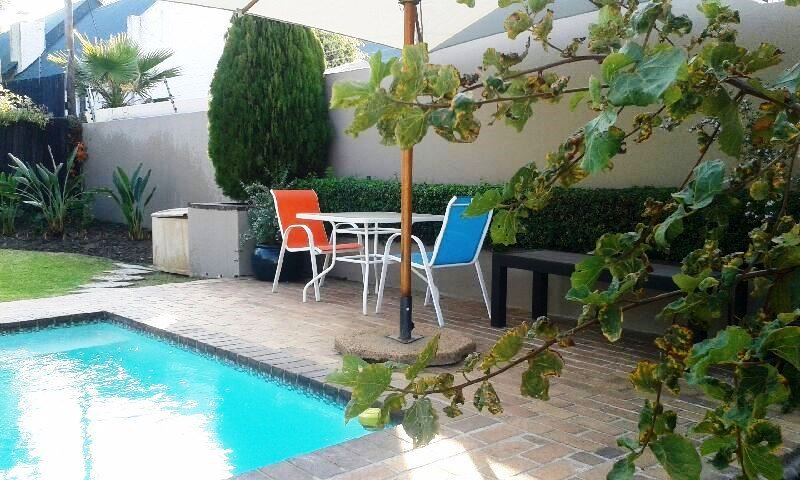 Fourways open plan living with full bathroom, kitchen and private entrances with pool