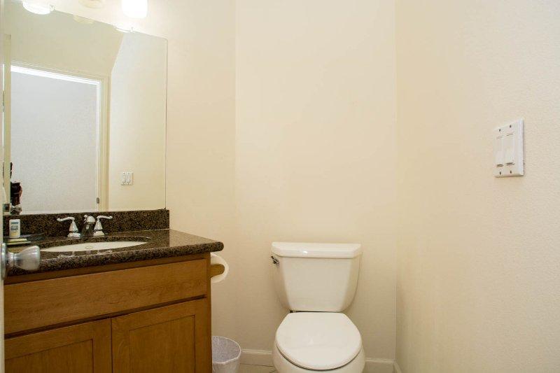 1/2 Bathroom 3