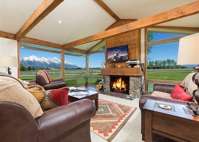 Beautiful condo with Teton views~ Close to Jackson & National Parks, vacation rental in Jackson