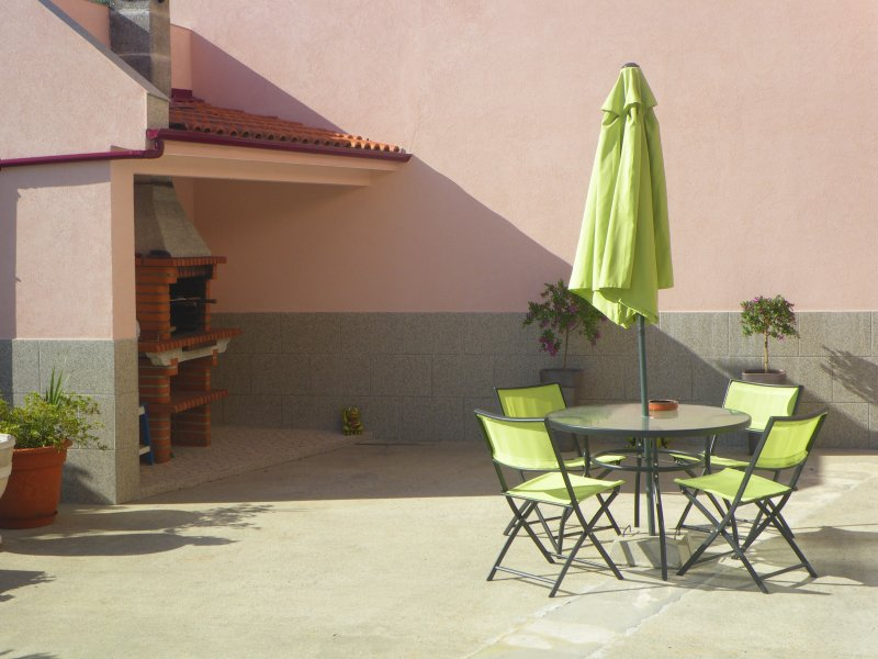loft glamour mangue-ananas, holiday rental in Recarei