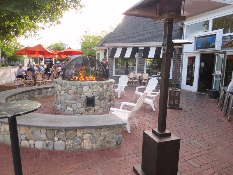 Easy walk to Ember for great pizza. Outdoor patio and bar right in Harwich Port! - Harwich Port Cape Cod New England Vacation Rentals