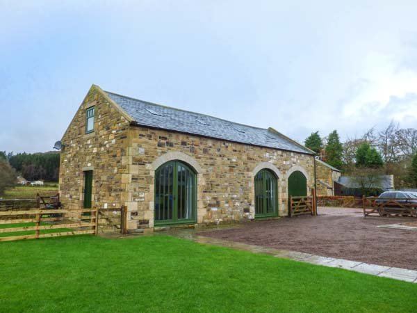 THE HEMMEL detached barn conversion, family-friendly in Rothbury, Ref 931081, vacation rental in Thropton