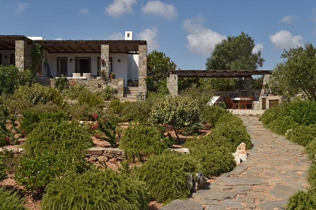 MAGNIFICENT VILLA WITH FABULOUS CYCLADIC SEA VIEWS, holiday rental in Naoussa