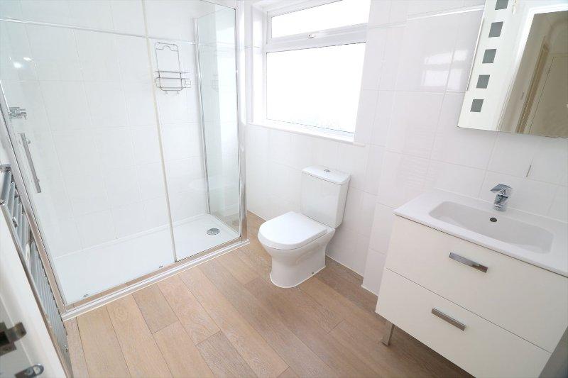 Croyde Holiday Cottages Dunes Shower Room
