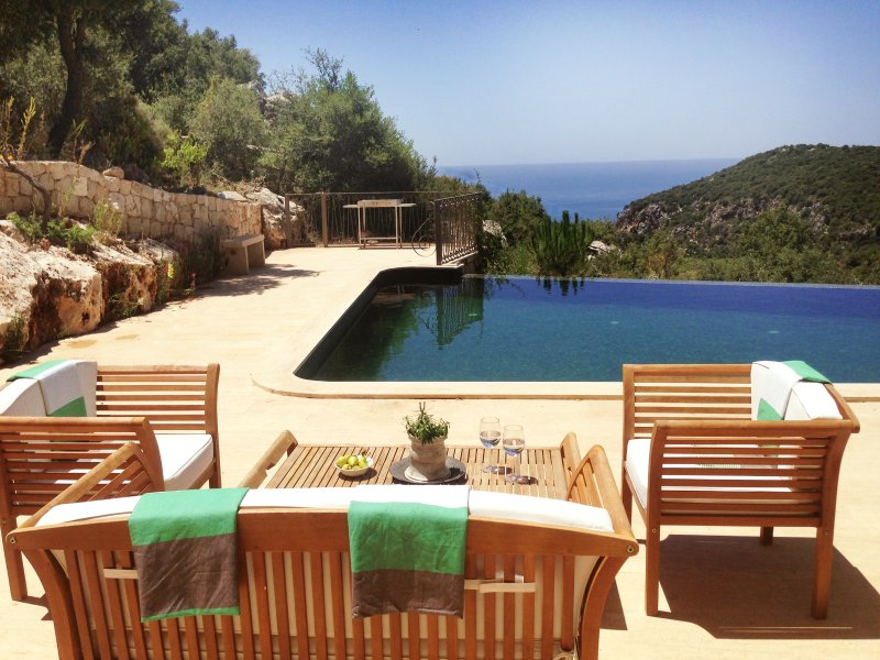 Villa Andiz: Forest, Sea View, Pool, Privacy, location de vacances à KAS