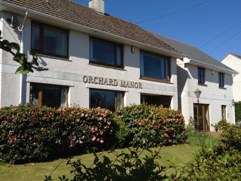 Orchard Manor, Cornwall, TR2 4LY.  Penthouse  Apartment  sleeps  4 Persons.