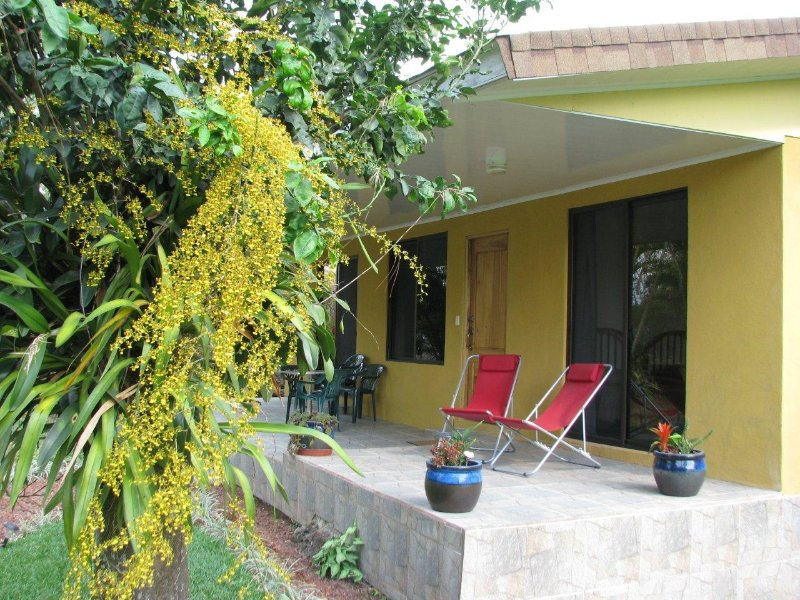 Ferienhaus für max. 5 Personen an ruhiger Lage, aluguéis de temporada em San Pablo