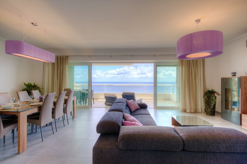 Seafront Luxury Apartment with Pool GR8 Location UPDATED ...