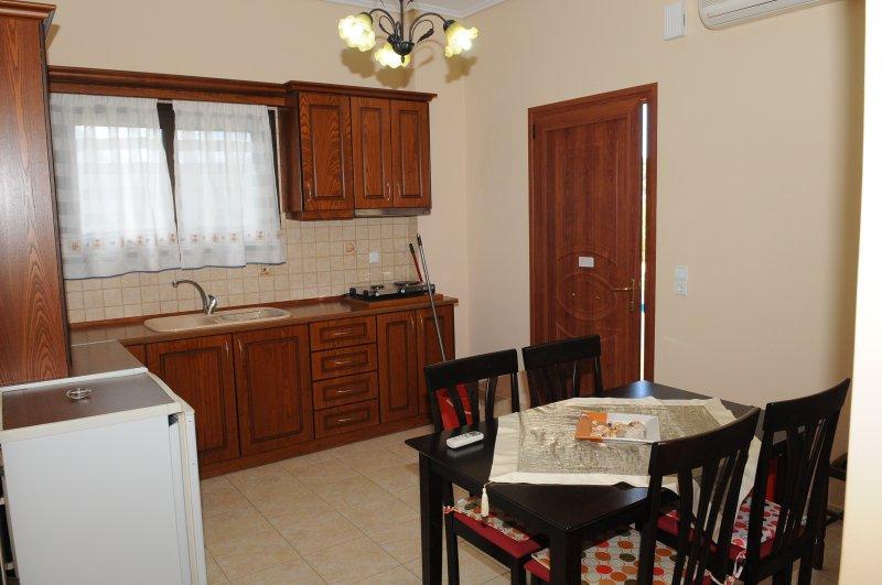 Toulas apartments  2 bedrooms family apartment, holiday rental in Ereikoussa