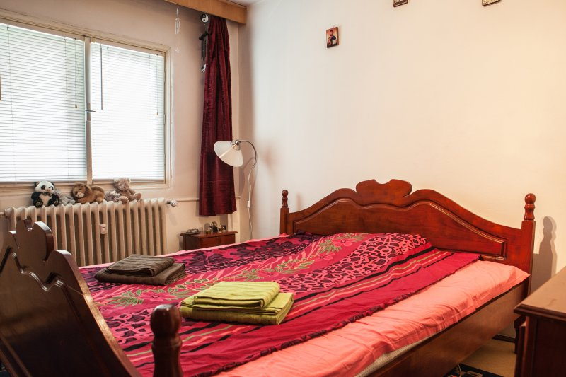 Comfy & quiet appartment near Victory Square, holiday rental in Chiajna