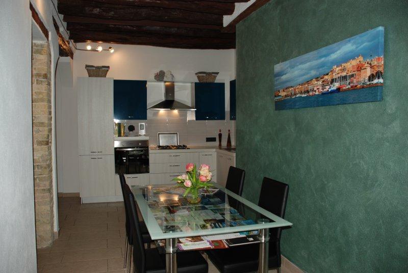 Home space completamente arredato e acessoriato.
