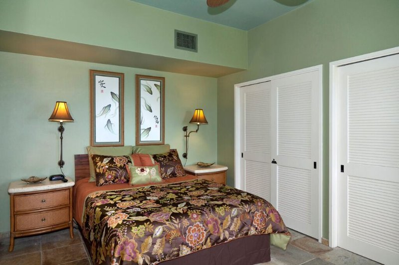 Royal Sea Cliff #314 - Guest bedroom