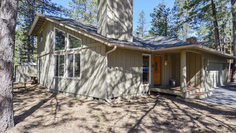 Building,Cottage,Cabin,Hut,Rural