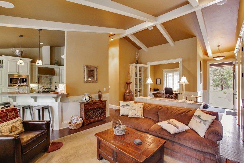 Indoors,Kitchen,Room,Furniture,Chair
