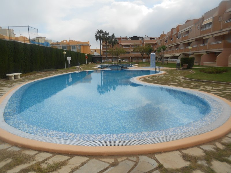 ESTUPENDO ATICO CERCA DEL MAR  ref a138, vacation rental in Xeraco