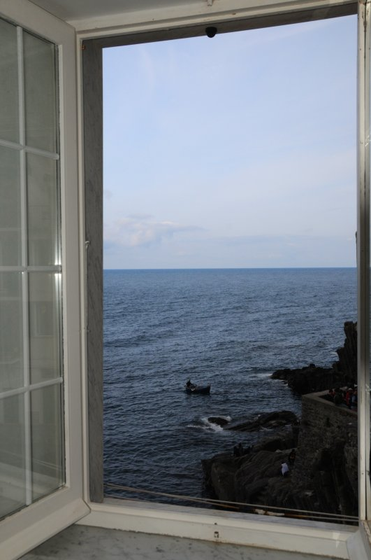 Ciao dalla 'finestra sul mare' 'Ciao from 'the window by the sea'