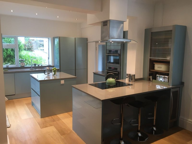 PadstowHouse has a newly refurbished kitchen with 2 ovens, hob, dishwasher, and even a wine cooler