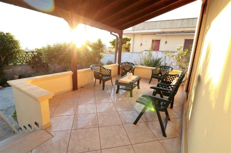 Holiday home in Santa Maria al Bagno Salento Apulia with sea view and garden wi, vacation rental in Nardo