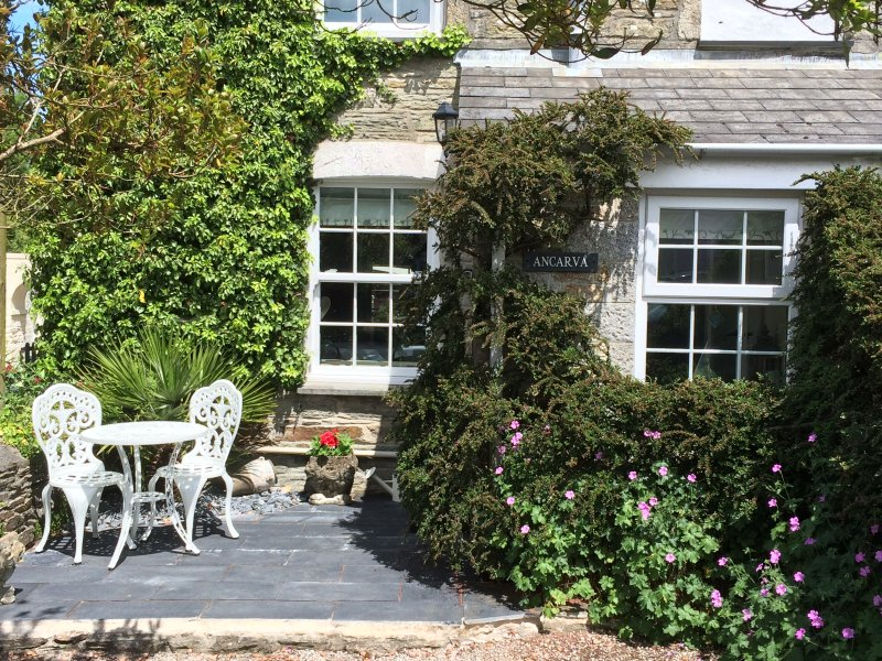 Cornish curb appeal and an evening sun patio to boot