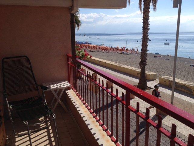 Appartamento sul mare di Letojanni, holiday rental in Letojanni