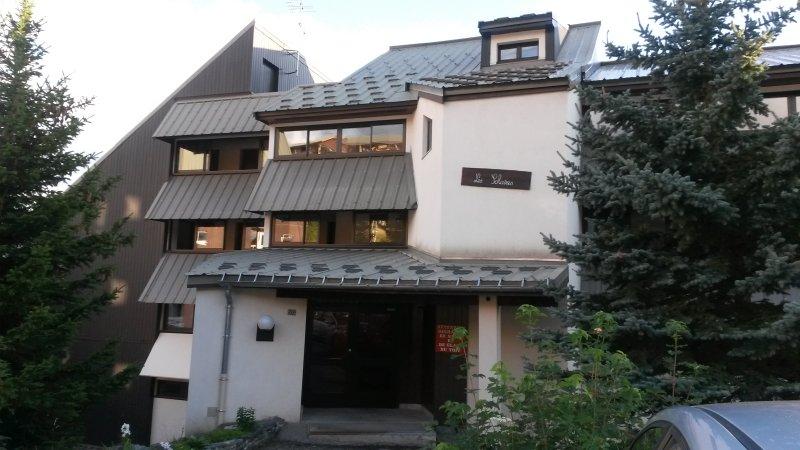 Appart 4/6 personnes, proche télésiège, plein Sud., vacation rental in L'Alpe-d'Huez