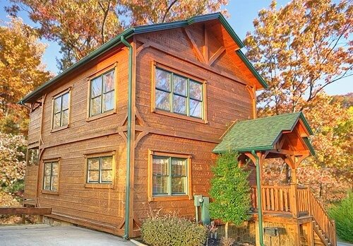Gatlinburg Rising!  Luxurious 2 Bed/2 Bath cabin centrally located., vacation rental in Gatlinburg