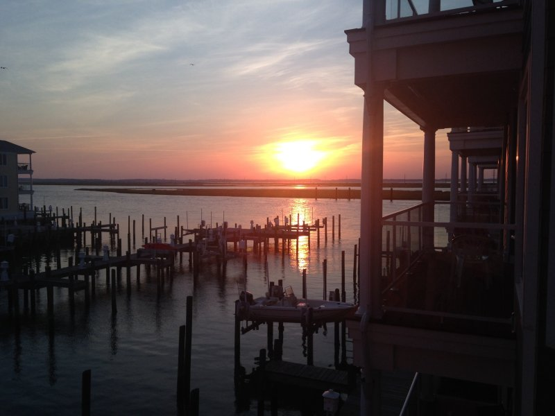 Sunset Bay Villas Chincoteague Island - Sunset in Paradise, vacation rental in Chincoteague Island
