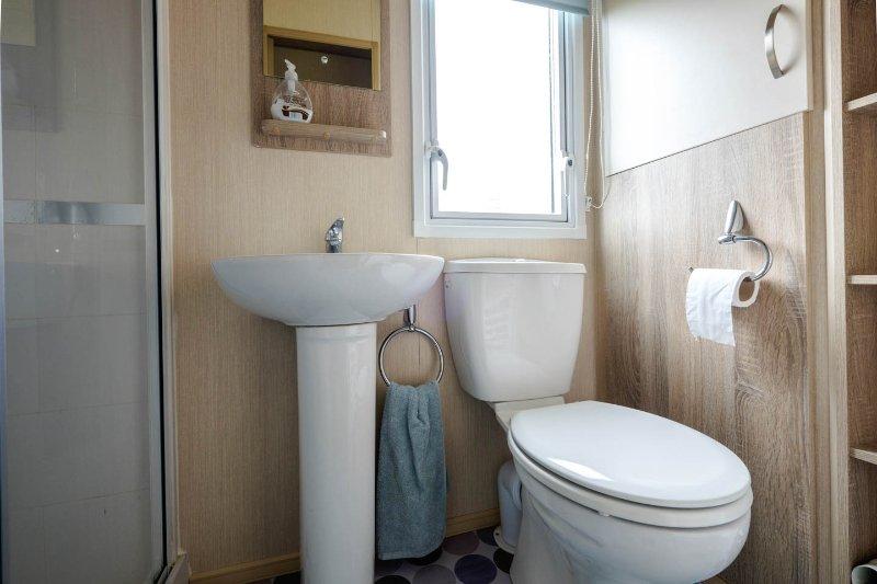 Shower roomlovely big shower