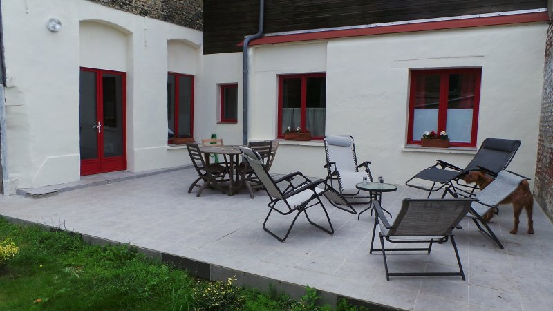 rez de jardin de standing 110 m2 tripadvisor saint omer location de vacances. Black Bedroom Furniture Sets. Home Design Ideas