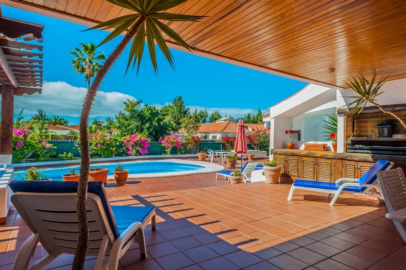 Large Covid-friendly exclusive Maspalomas villa for group or family holidays, location de vacances à Gran Canaria