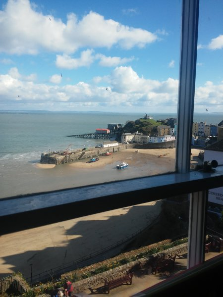Beautiful flat with views of the sea and harbor, holiday rental in Tenby