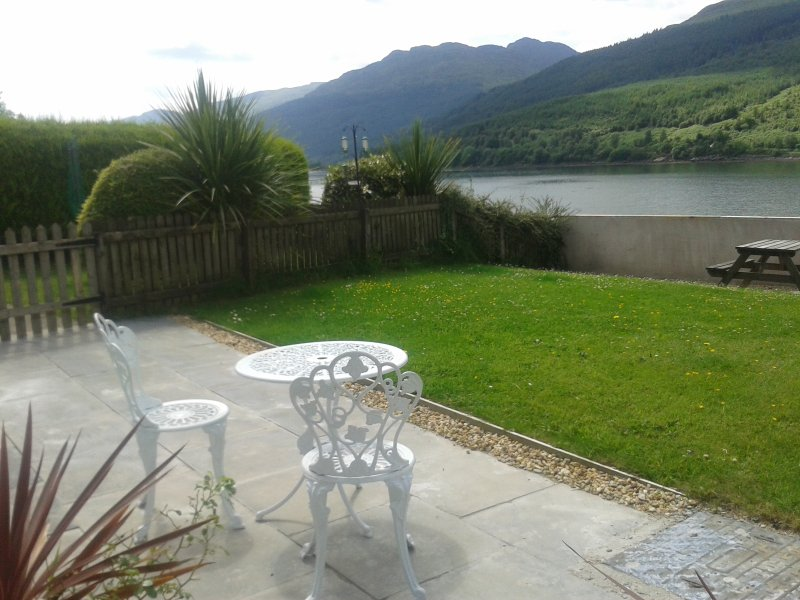 Our place is right on the shore of Lochlong in Lomond Park, Argyll Forest. Enjoy our exellent  views