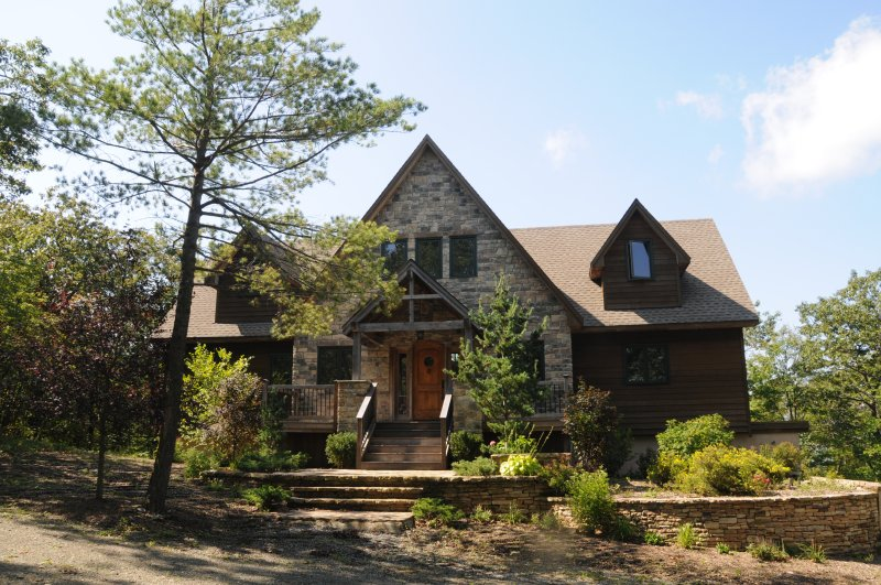 Beautiful Mountain Post + Beam Home w/ Incredible Views, Close to Bershires, Hudson Valley, Albany