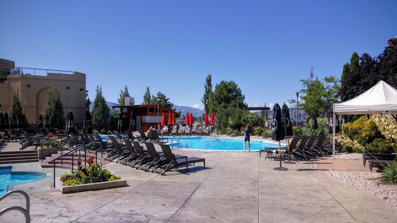 Waterfront Condo in Delta Grand Okanagan Resort, a Marriott Resort, holiday rental in Kelowna
