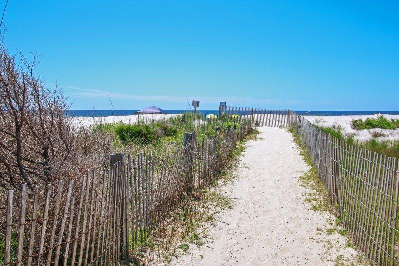 Disfrutar de un acceso sin precedentes a las cálidas playas de arena!