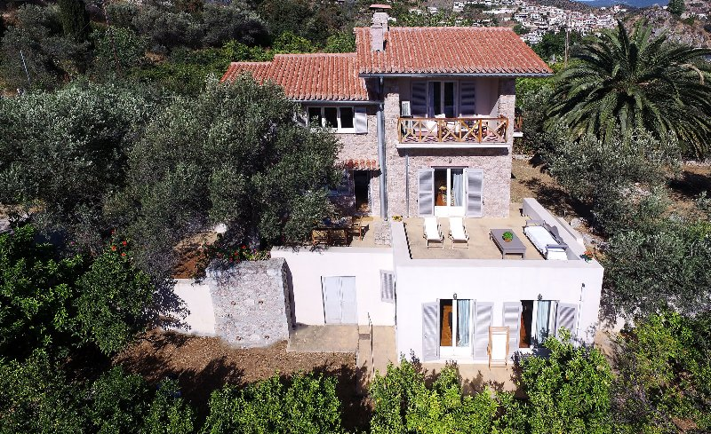 Epidaurus Olive Villa, location de vacances à Epidavros