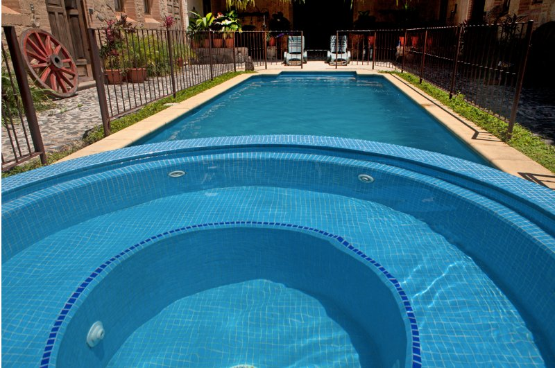 Casa Espiritu Santo -Antigua's Central Hidden Secret w/pool (1 of 4) +Free Night, alquiler de vacaciones en Chimaltenango Department