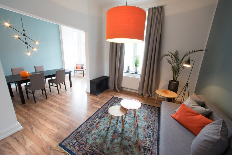 Neu renoviertes Appartement in bester Lage, vacation rental in Willich
