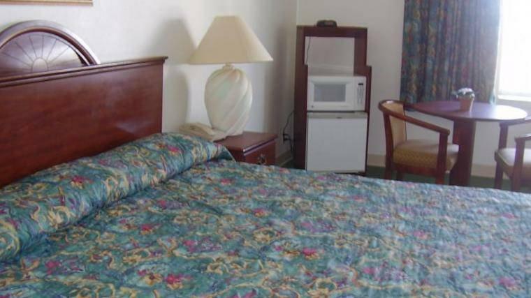 Guest Inn -Single king size Bed room, alquiler vacacional en Ten Mile