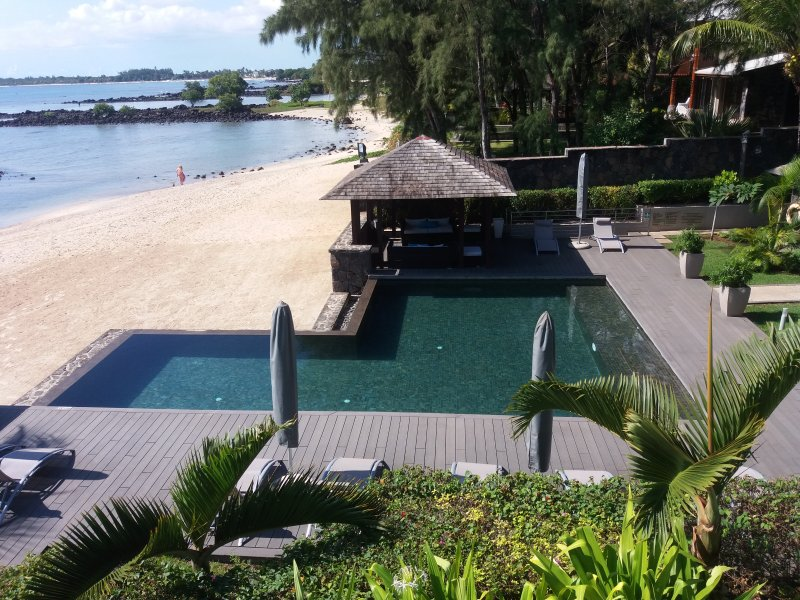 Bon Azur Beach Front Suite by Simply-Mauritius, holiday rental in Trou aux Biches