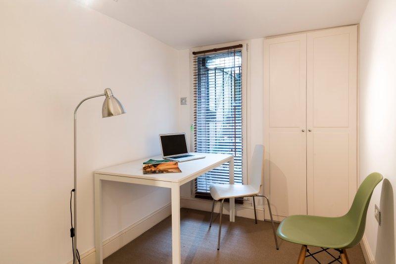 Desk in third bedroom
