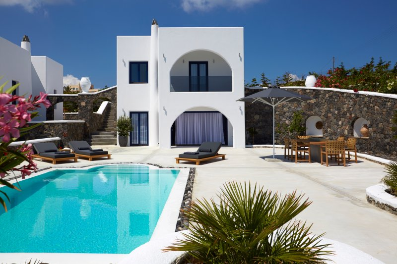 Amor Hideaway two bedroom villa with pool, vacation rental in Monolithos