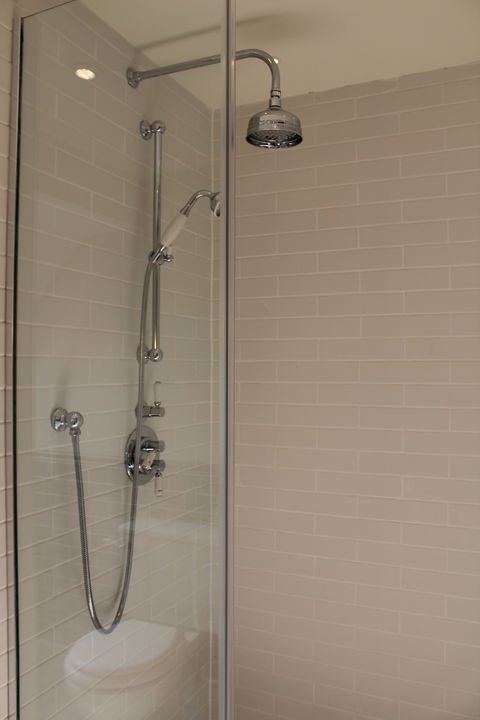 ... and big walk-in shower